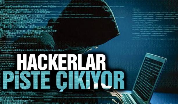 Bakan Çavuşoğlu, Konya'da demokrasi nöbetine katıldı