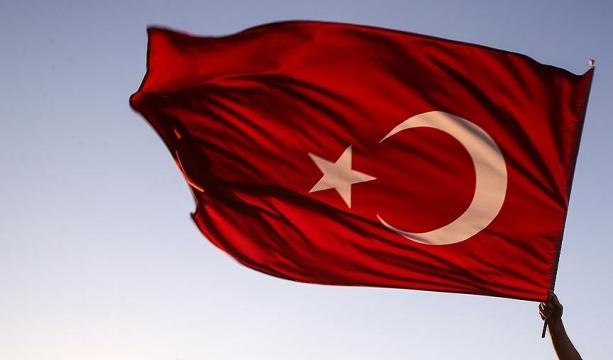 Akşehir'de 5 pansiyon ve yurda baskın