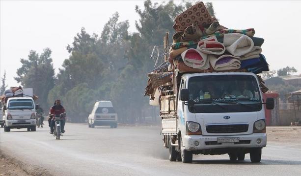 İdlib'de son bir haftada 25 bin sivil yerlerinden edildi
