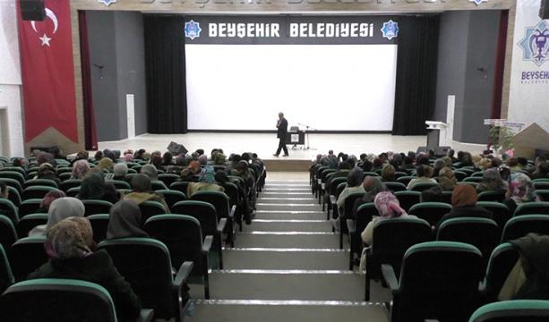 Beyşehir'de çocuk sorunları konulu konferans düzenlendi