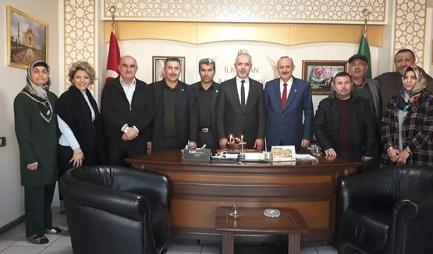 Murat Yağız'ın yeni yaşını kutladılar