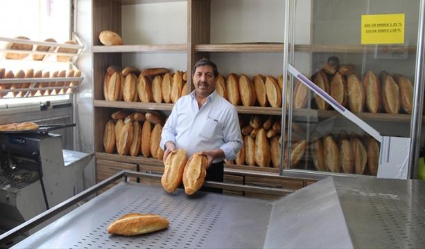 Yunak'ta sağlık çalışanlarına ücretsiz ekmek ve unlu mamuller hizmeti