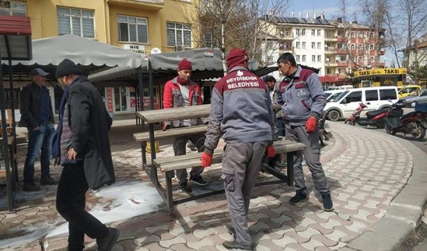 Seydişehir Belediyesi Bankları Kaldırdı
