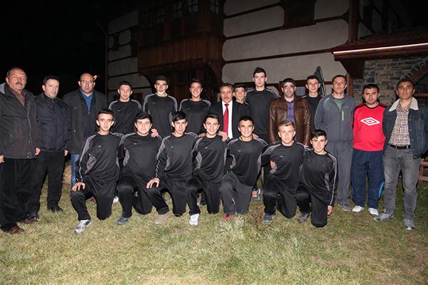 Başkan Tutal voleybol takımı kadrosu ile yemekte buluştu