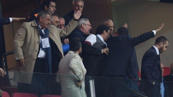 Konyaspor tribünleri karıştı! Aziz Yıldırım çılgına döndü...
