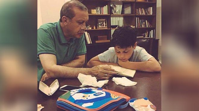 Cumhurbaşkanı Erdoğan'ın torunuyla çekilen fotoğrafı