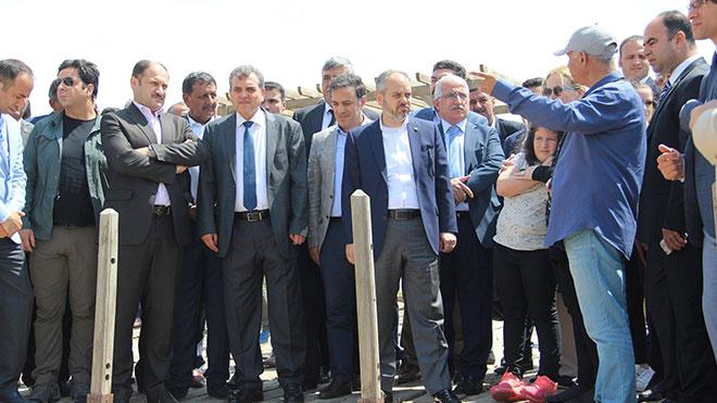 Bakan Kılıç referandumda en yüksek evet oyu çıkan Harran'ı ziyaret etti