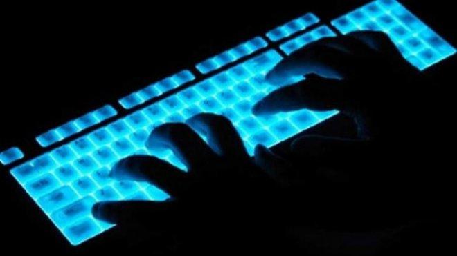 'Siber polisler' terör övücüleri kıskıvrak yakaladı