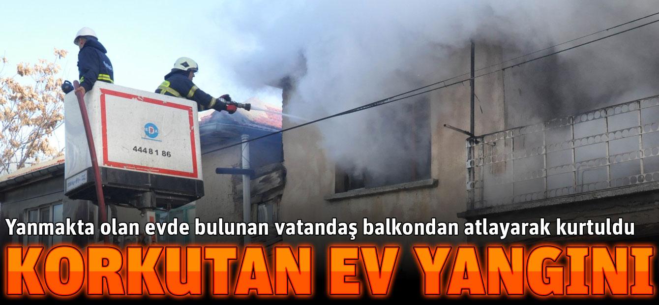Konya Akşehir'de korkutan ev yangını