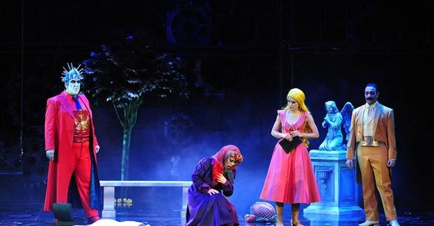 Istanbul'da 'Faust' sahnelendi