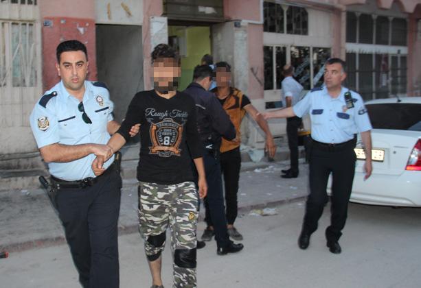 Suriyelilere şafak operasyonu: 80 gözaltı