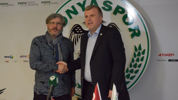 Mustafa Reşit Akçay'dan transfer açıklaması