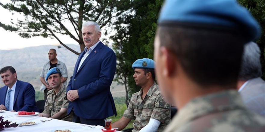 Başbakan Yıldırım'dan PKK'yı 'kıskaca alan' time ziyaret