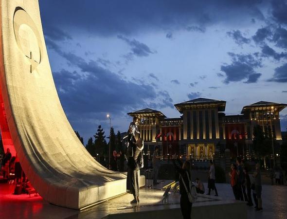 Vatandaşlar yurt genelinde 'demokrasi nöbeti' tuttu