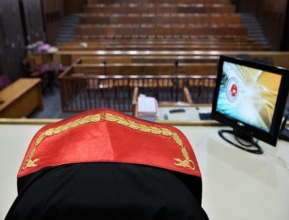 Eski Hakim Toprak'a 'FETÖ' üyeliğinden dava