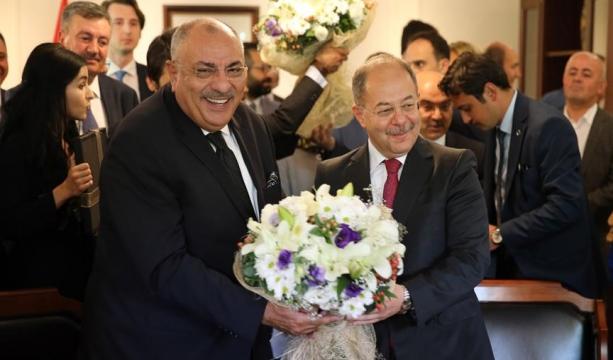 Akdağ, Türkeş'ten görevi devraldı