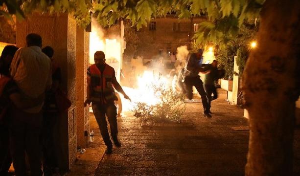 İsrail polisi namaz sonrası cemaatten 13 kişiyi yaraladı