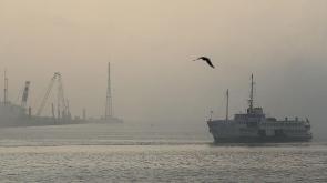İstanbul'da yoğun sis ulaşımı olumsuz etkiledi