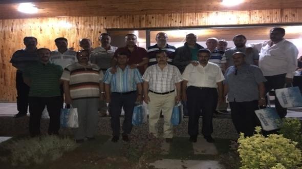 Ahmet Baydar eski dostları ile bir arada