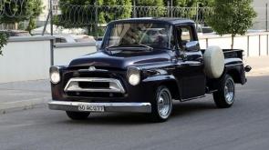 Klasik aracı 100 bin lirayla eski haline döndürdü