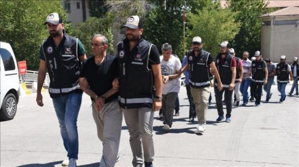 Diyarbakır'da FETÖ'nün 'gaybubet' evlerine operasyon