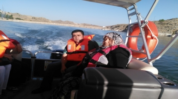 Anne-oğul Sille Baraj gezisinde