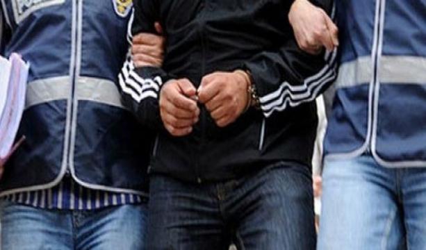 Yüzlerini gizlediler, kameranın önündeki motosikleti çaldılar #konyahaber