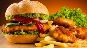 Dikkat! Fast food tüketenler için kanser riski artıyor