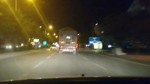 Makas atıp ışık ihlali yapan tır sürücüsü trafiğe tehlikeye düşürdü #konyahaber