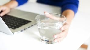 Masa başı çalışırken sağlığınızı korumanın 9 yolu