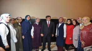 Davutoğlu AK Partili kadınlar ile buluştu