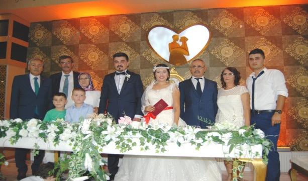 Elif ve Kadir çifti evlendi