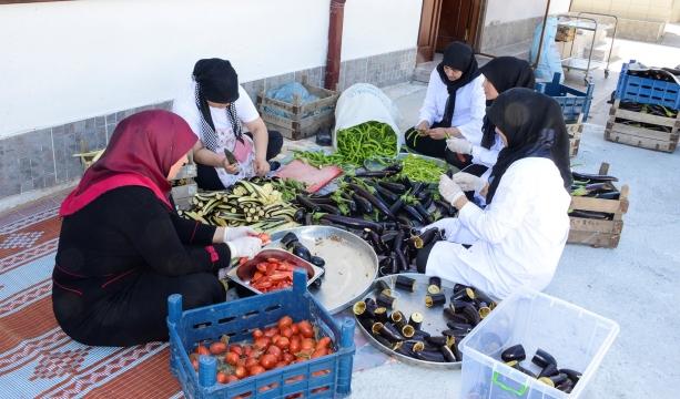 Bacıyan-ı Meram ev ekonomisine katkı sağlıyor #KonyaHaber