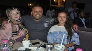İrfan başkan  kızlarıyla birlikte