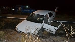 Aksaray'da 2 otomobil çarpıştı: 4'ü çocuk 9 yaralı