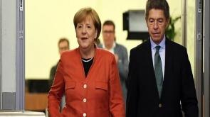 Almanya'da Merkel 4. kez kazandı gözler koalisyon görüşmelerinde