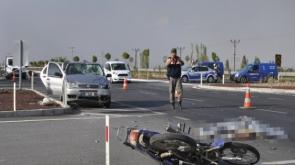 Konya'da otomobil ile motosiklet çarpıştı: 1 ölü, 4 yaralı #konyahaber