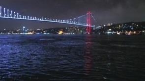 Köprüden kendini attı