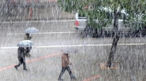 Meteorolojiden çok kuvvetli sağanak yağış uyarısı!