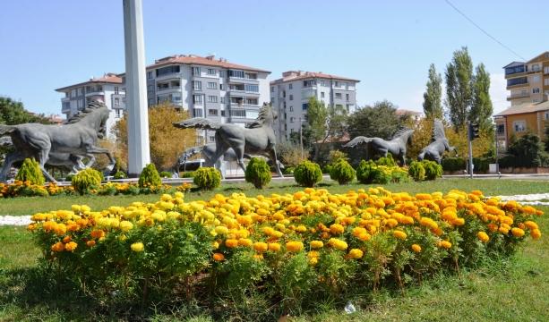 Aksaray'da şehrin dört bir yanına modern parklar yapılıyor