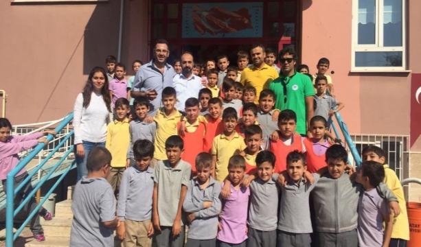 Konyaspor Futbol Akademisi okulları tarıyor
