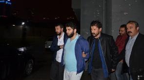 Kaldırımda yürüyen kadına saldıran şüpheli yakalandı