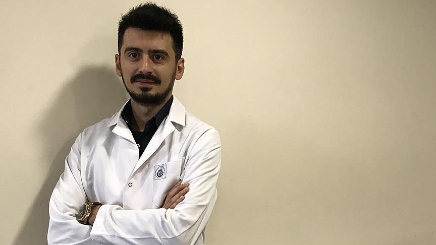 Karaciğer nakilli tıp öğrencisi doktorluk için gün sayıyor