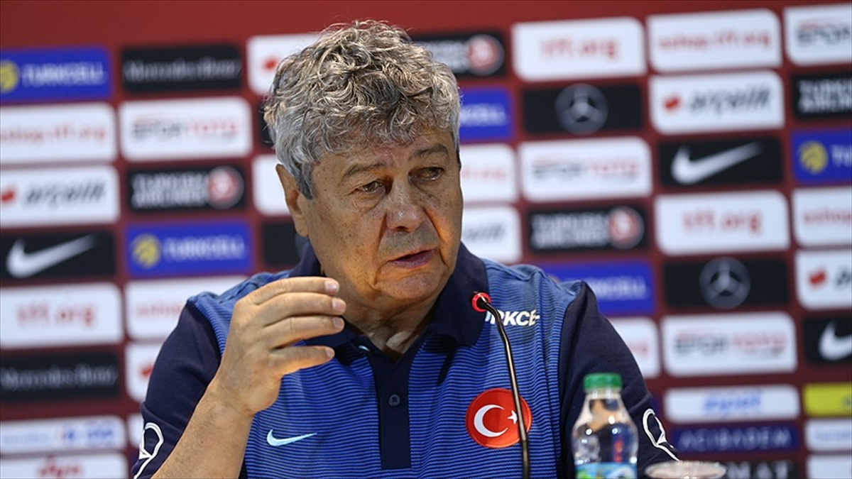 A Milli Futbol Takımı Teknik Direktörü Lucescu: Türk futbolunda yeni bir nesil yaratmak üzereyiz