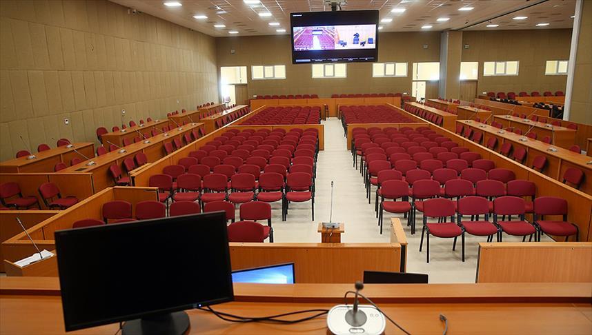 FETÖ davasında tartışmalar duruşmaya 4 kez ara verdirdi