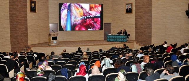 Konya Haber:  Konya'da NEÜ'de Canlı Yayınla Laparoskopik Kolorektal Cerrahi Kursu Verildi