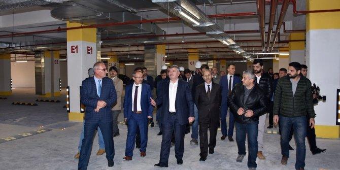 Konya Haber:  Konya'da Osmanlı Buğday Pazarı'ndaki 1.000 Araçlık Otopark tamamlandı