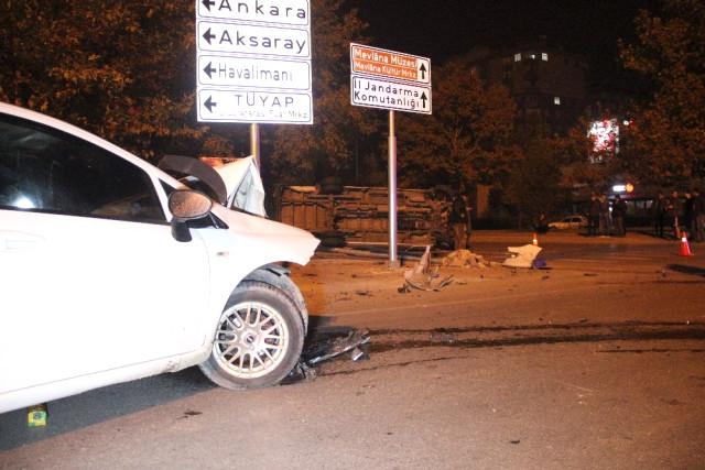 Konya Haber:  Konya'da alkollü otomobil kullanan sürücünün çarptığı midibüs yan yattı