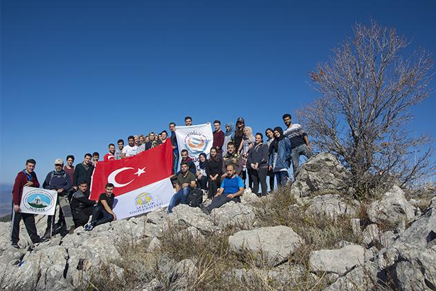 Konya Haber:  Konya Selçuklu Üniversite öğrencilerinden doğa yürüyüşü etkinliği