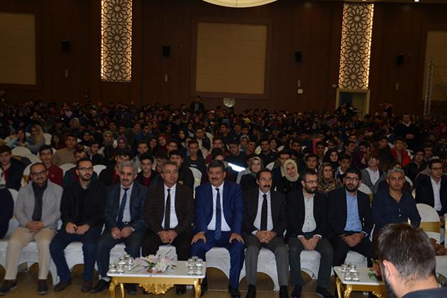 Konya Haber: Konya'da Yüzlerce Öğrenci Karatay Konferanslarında Buluştu